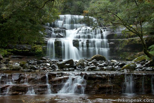 This 2.2-kilometer walk in the rainforest passes the Upper Cascades on the Liffey River to reach one of Tasmania's finest waterfalls.