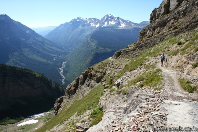 This stunning trail along the Continental Divide offers many hiking options, like an amazing 13.5-mile through-hike that takes in the exceptional view from Glacier Overlook.