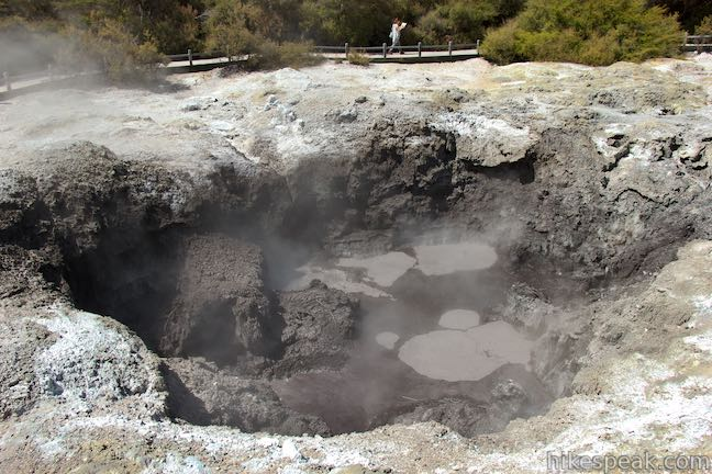 Devil's Ink Pots Wai-O-Tapu Thermal Wonderland