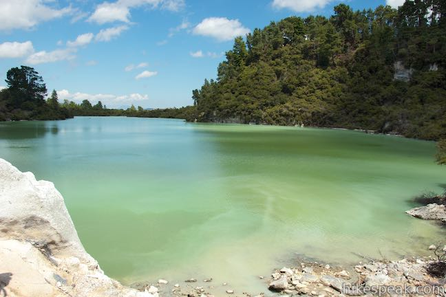 Lake Ngakoro Wai-O-Tapu Thermal Wonderland