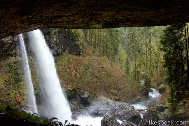 See 10 great waterfalls in Silver Falls State Park on a picturesque and exciting hike that actually goes behind four of the waterfalls.