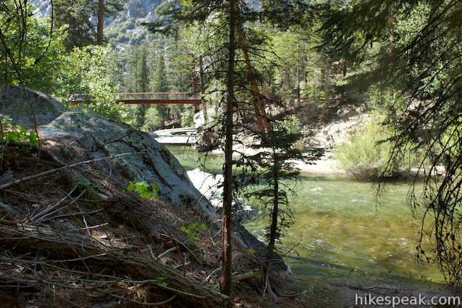 This 5-mile loop is scenic and easy, exploring east from the backcountry gateway at Road's End along both sides of the South Fork Kings River in Kings Canyon.
