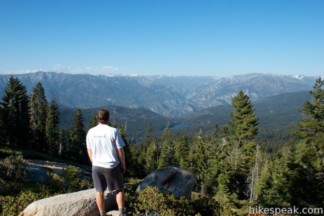 This 0.5-mile hike reaches an exception Kings Canyon National Park overlook with views into Kings Canyon.