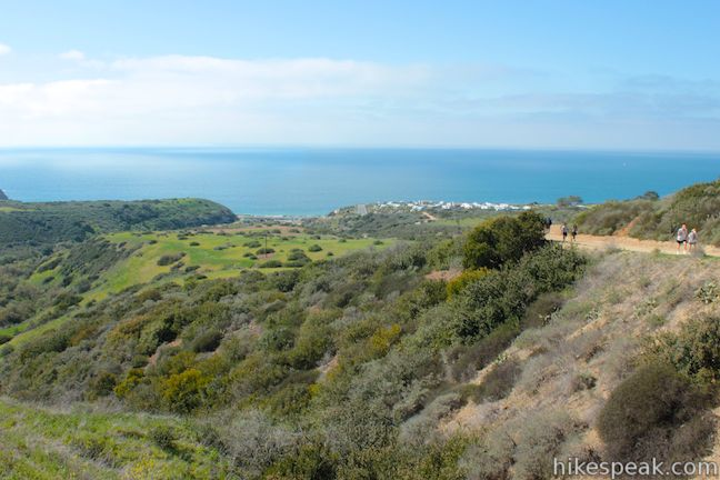 This 9-mile loop in Crystal Cove State Park follows guide markers exploring geology in the beautiful backcountry of this Orange County wilderness.