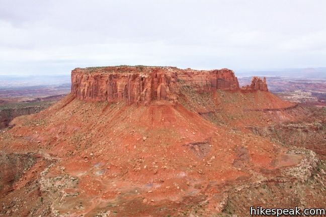 This 2-mile hike travels along the mesa's edge from Grand View Overlook to the southernmost point on Canyonland's Island in the Sky for views of the canyons framing Junction Butte.