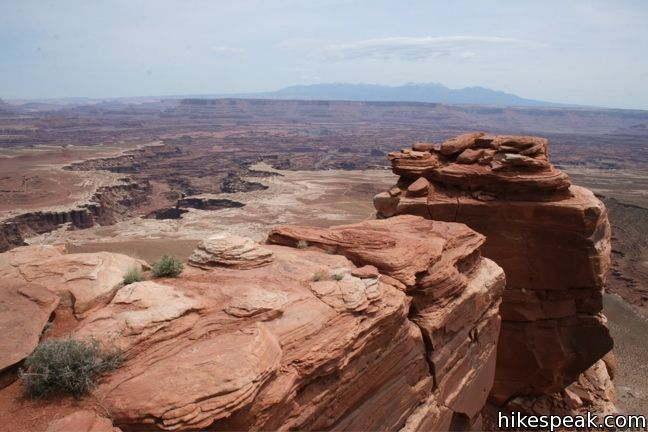 This 1.8-mile hike visits the end of a peninsula in the Island in the Sky in Canyonlands National Park with 300-degree views of the canyons below.