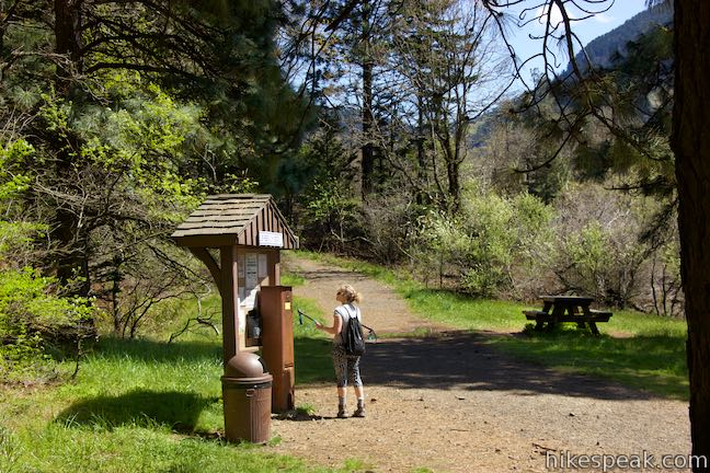 Dog Mountain Trailhead