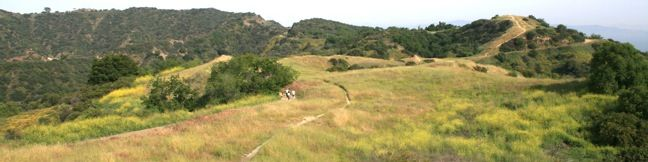 Canyonback Ridge Trail Canyonback Ridge runs north to south in the area of the Santa Monica Mountains known as the Big Wild