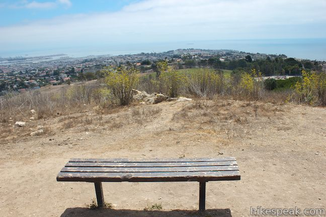 This 1.1-mile loop circles a park with panoramic ocean views over the south end of Palos Verdes Peninsula.