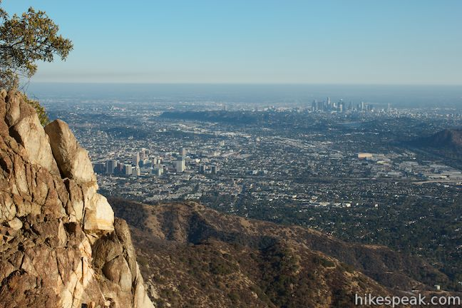 This 6.1 to 6.6-mile hike ascends an abandoned fire road in the Verdugo Mountains with expansive views that include the skyline of downtown Los Angeles.